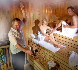 Regelmäßige Saunaaufgüsse Grand Park Hotel Health & Spa