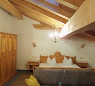 Gemütliches Schlafzimmer Berggasthaus Weingarten