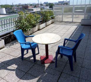 Dachterrasse mit Ausblick Hotel Tritone Venice Mestre