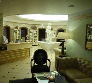 Eingang Spa Leading Family Hotel & Resort Alpenrose
