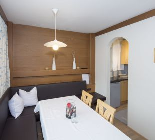 Familienappartement Alpbachtal (52 m2) Wohnzimmer Angerer Familienappartements Tirol