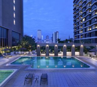 Swimming Pool Carlton Hotel Singapore