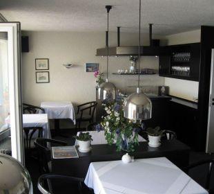 Der Frühstücksraum mit kleiner Bar Hotel Quisisana