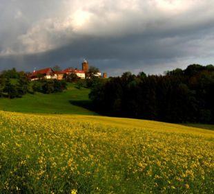 Die Burg bei der Anfahrt Burghotel Staufeneck