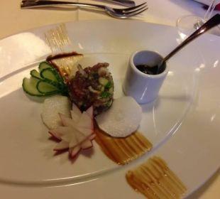 Rotes Thunfisch-Tartare mit Sojasauce und Rettich Spa Hotel Zedern Klang