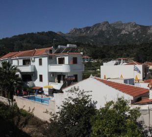 Ausblick nach links vom Zimmer 6 Hotel Kalidon