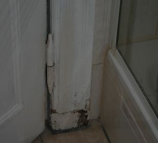 Tür zum Bad Hotel Pension Spree