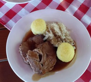 Sehr durchschnittliches Essen, lieblos präsentiert Dorint Sporthotel Garmisch-Partenkirchen