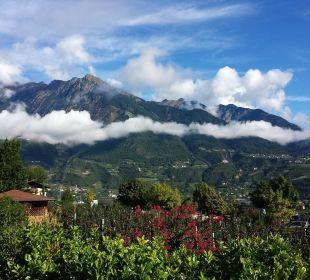 Blick vom Pool aus Hotel La Maiena Meran Resort