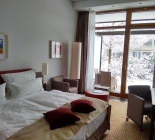Blick zur Terrasse Kempinski Hotel Berchtesgaden