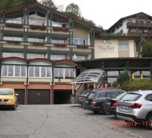 Einfahrt zum Hotel Alpenhotel Fischer
