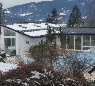 Sehr schönen Garten und Freibad Alm- & Wellnesshotel Alpenhof