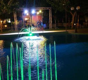Abendstimmung am Pool Hotel Corissia Beach
