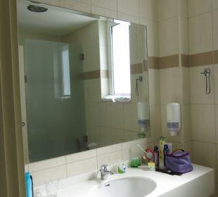 Badezimmer sehr klein Eurohotel Katrin Hotel & Bungalows