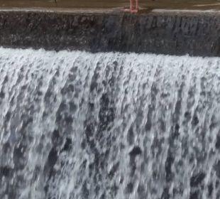 Gans an Wasserfall Hotel Heidsmühle