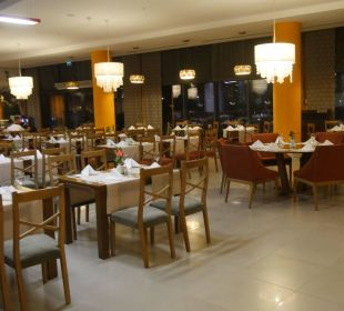 Ausschnitt eines der Räume vom Restaurant Anka Aska Lara Resort & Spa