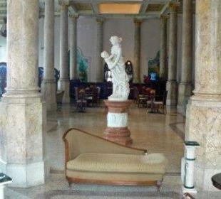 Blick in die Lobby vom RAQUEL