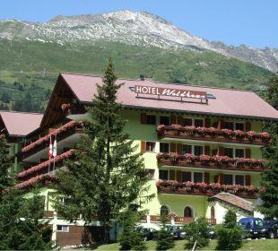 Außenansicht Hotel Waldhaus am See