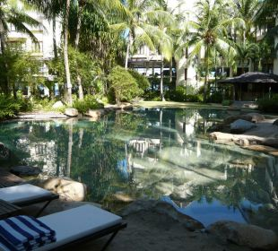 Salzwasser-Pool in der Anlage Hotel Tanjung Rhu Resort