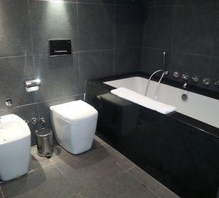 Bad, Bidet und Toilette Hotel Avala