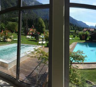Blick vom Hallenbad auf Whrilpool und Sportbecken Alpen Adria Hotel & Spa