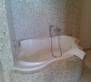 Mosaik-Sitzbadewanne Hotel Grecotel Eva Palace