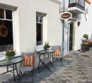 Eingangsbereich mit neuem Café  Pension Sanddorn