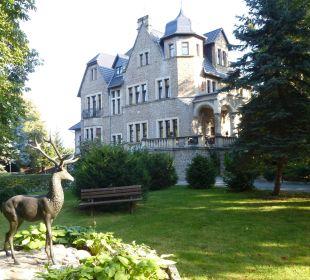 Hotel vom Park aus gesehen Schlosshotel Stecklenberg