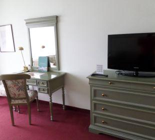 Schreibtisch und Flachbildschirm Hotel Panhans