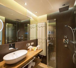 Junior-Suite - Badezimmer Verwöhnhotel Berghof