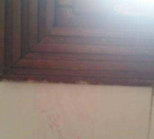 Fensterrahmen im Bad faulen vor sich hin Dunas Maspalomas Resort