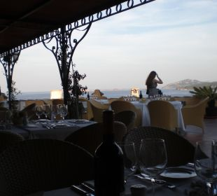 Außenbereich des Colonna Restaurants Colonna Resort