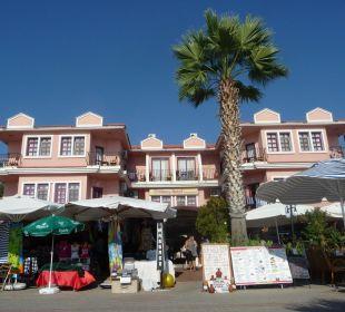 Das Günes vom Strand gesehen Hotel Günes