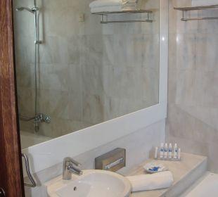 Bad mit 6.5 m2 Kontokali Bay Resort & Spa