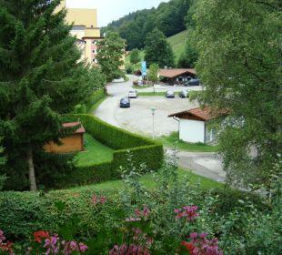 Blick vom Appartement-Balkon Richtung Strasse Hotel Mühlenhof