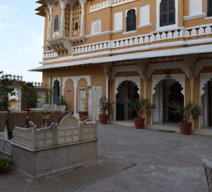 Schöne Sitzgelegenheiten Hotel Deogarh Mahal