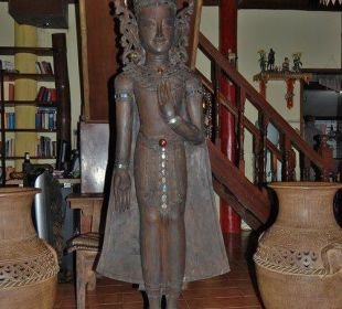 Figur im Restaurant Hotel Na Thai Resort