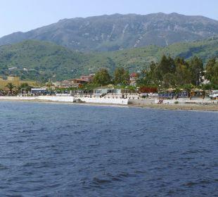 Blick von See auf das Restaurant Hotel Corissia Beach