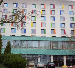 Vom Hotelparkplatz  Renaissance Bochum Hotel