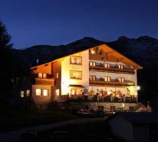 Die Alpenrose bei Nacht Hotel Alpenrose