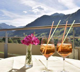 Vom Balkon aus traumhafter Blick in die Natur Die Gams Hotel - Resort