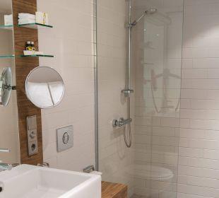 Badezimmer mit Dusche Hotel Stadtpalais