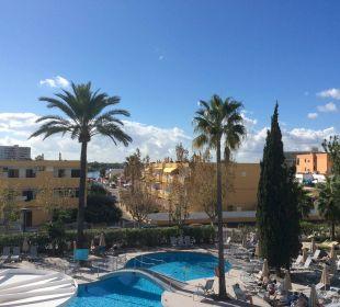 JS Sol de Alcudia - Ausblick Balkon Eckzimmer 210 JS Hotel Sol de Alcudia