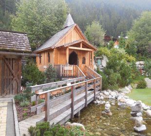 Kleine Kapelle im Garten Hotel Quelle Nature Spa Resort