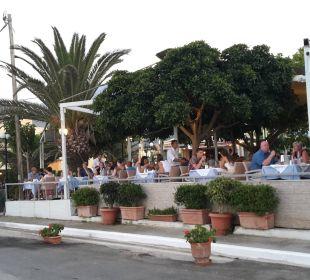 Restaurant von aussen Hotel Corissia Princess