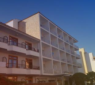 Hotel von vorn JS Hotel Yate