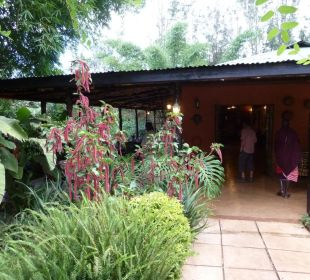 Eingang zum Restaurant Octagon Safari Lodge