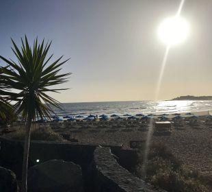 Langer Strand vor der Tür  Hotel Hipotels La Geria