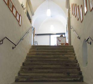 Treppenaufgang zum Restaurant Hotel Schatz.Kammer Burg Kreuzen