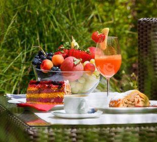Frisches Obst & süße Leckereien im Garten genießen Wohlfühlhotel Falzeben